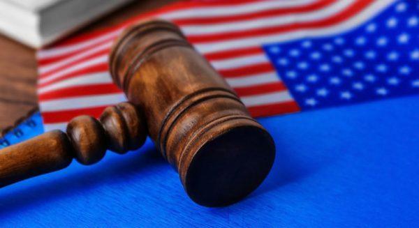 Razones Legales por las que Un Inmigrante Estadounidense puede Ser Deportado